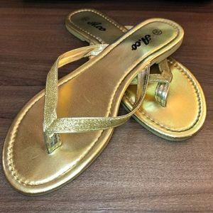 🌵4/$20   Gold Thong Flip-Flop Sandal